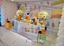 Opcionais: plotagem de mesa e painel, flores