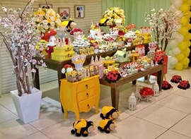 Opcionais: flores, bolo e personalizados