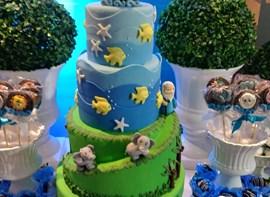 Opcionais: bolo com andares, personalizados