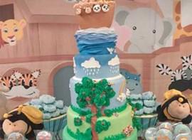 Opcionais: bolo com andares, forminhas