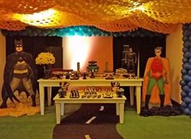 Mesa tema (opcionais trabalhos de teto e de chão e guloseimas)