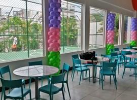 Vista dos balões do salão