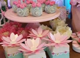 Pop cakes e caixinhas personalizadas (opcionais)