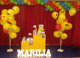 Balões emoji, personalizados e letras led opcionais