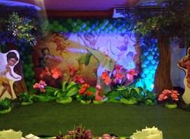 Salão com iluminação cênica e grama (opcionais)